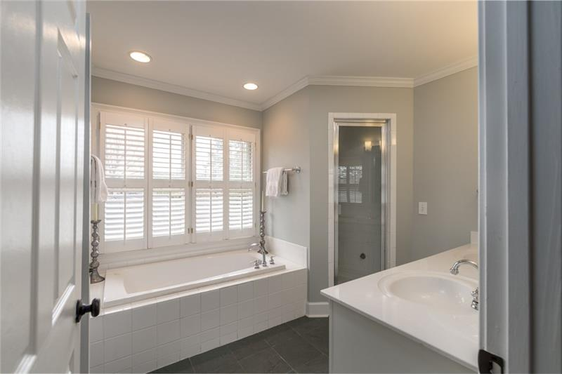 Gorgeous, spacious FULL upstairs bath could easily be 2nd master bath retreat!