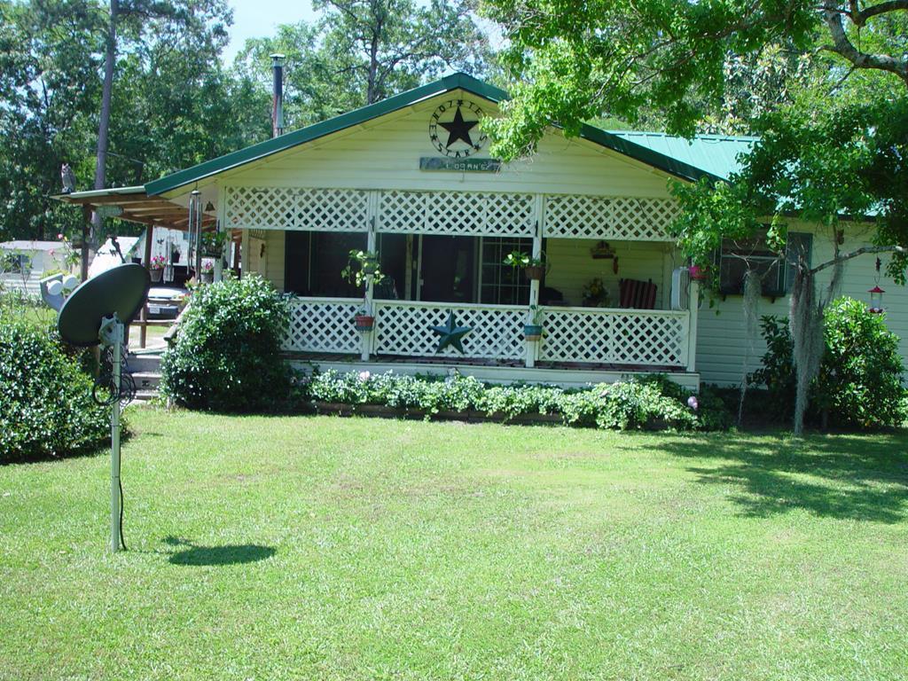 260 Oakridge Circle, Huntington, TX 75949