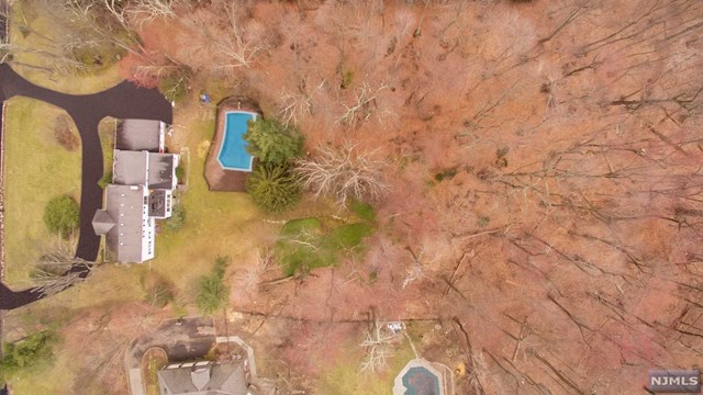 66 Fox Hedge Road, Saddle River, NJ 07458