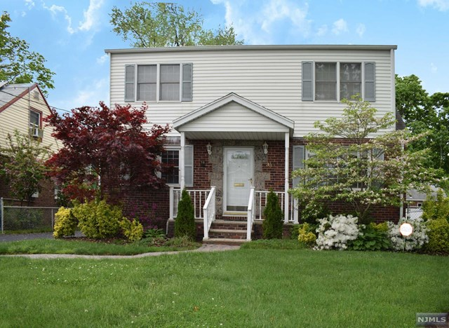 38 Frederick Place, Bergenfield, NJ 07621