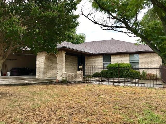 233 S Avenue E, Cross Plains, TX 76443
