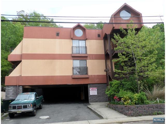 589 Fairview Avenue, Fairview, NJ 07022