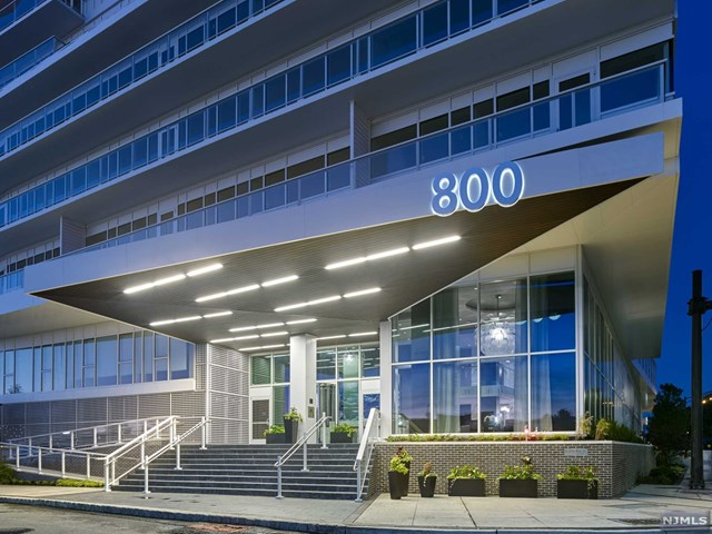 800 Ave At Port Imperial 319, Weehawken, NJ 07086