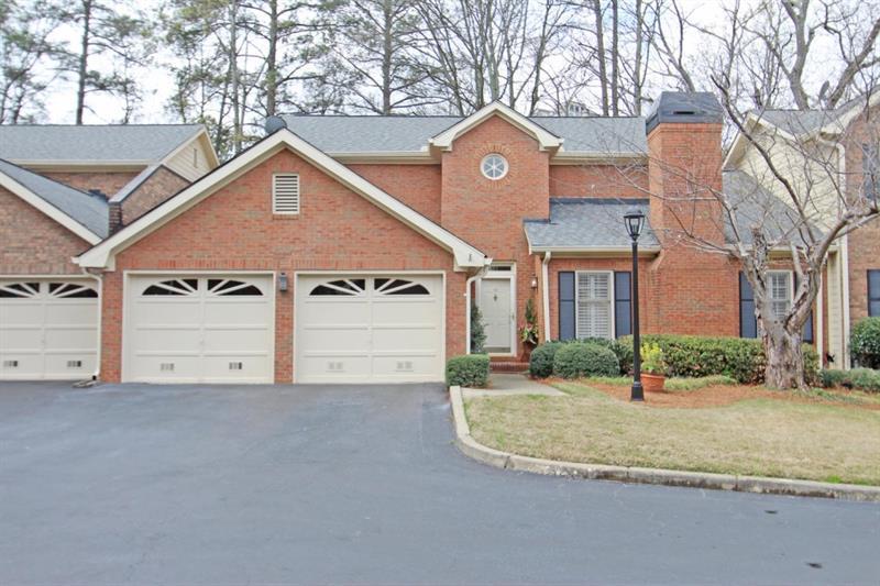 10 SE Pointe Terrace, Atlanta, GA 30339