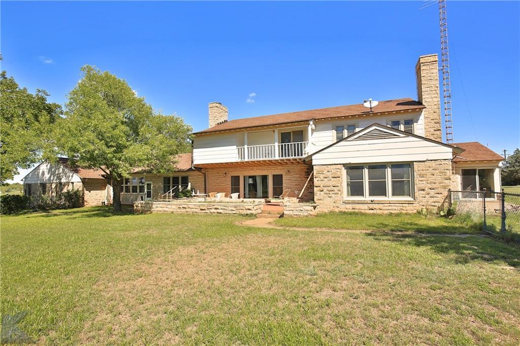 905a W Chestnut Street, Throckmorton, TX 76483