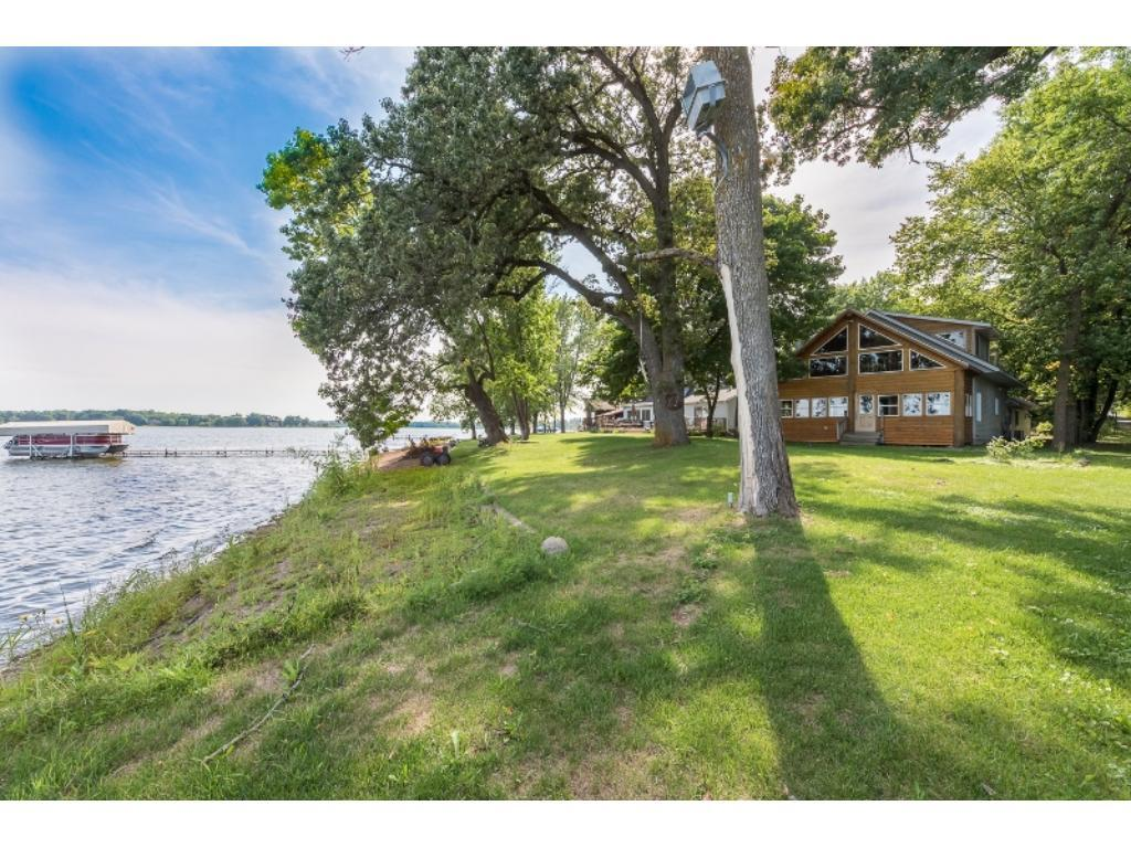 26997 Jonquil Drive, Chisago City, MN 55013