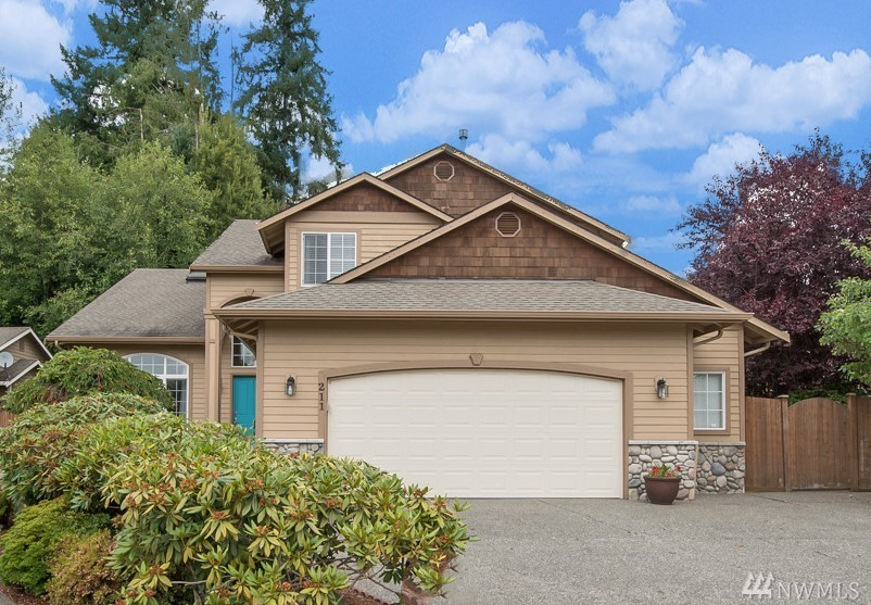 211 195th Place SW, Lynnwood, WA 98036