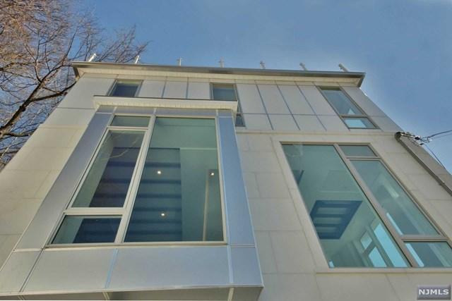 30 Palisade Terrace, Edgewater, NJ 07020