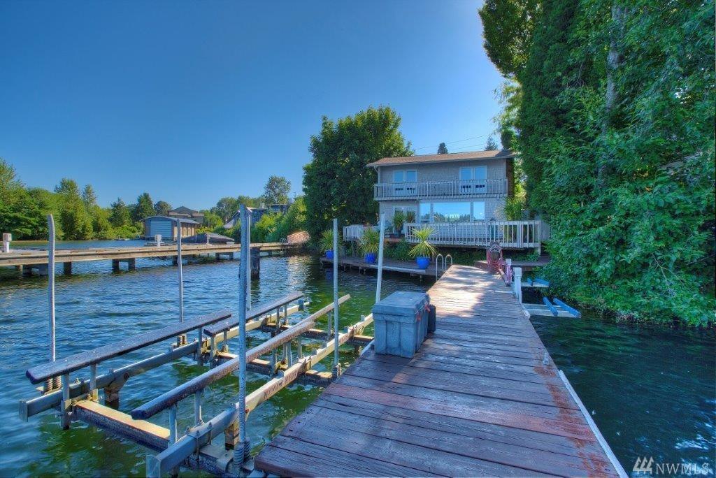 3901 Lake Washington Blvd N, Renton, WA 98056