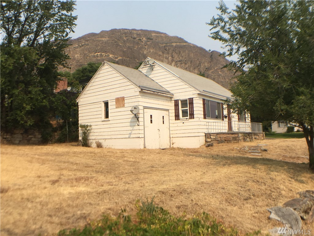 210 Stevens Ave, Coulee Dam, WA 99116