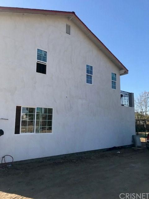 7421 N MCLENNAN Avenue, Lake Balboa, CA 91406