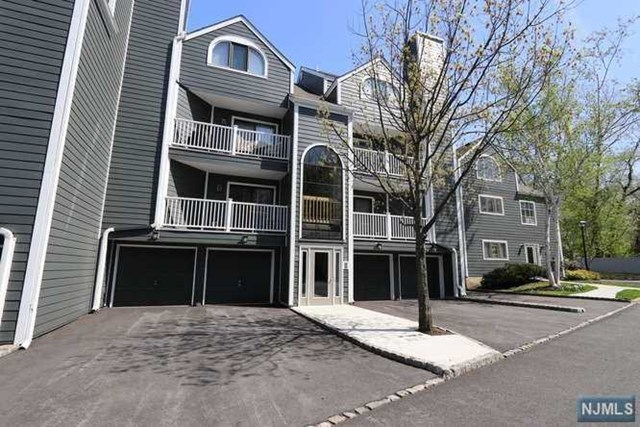 14 Triumph Court, East Rutherford, NJ 07073