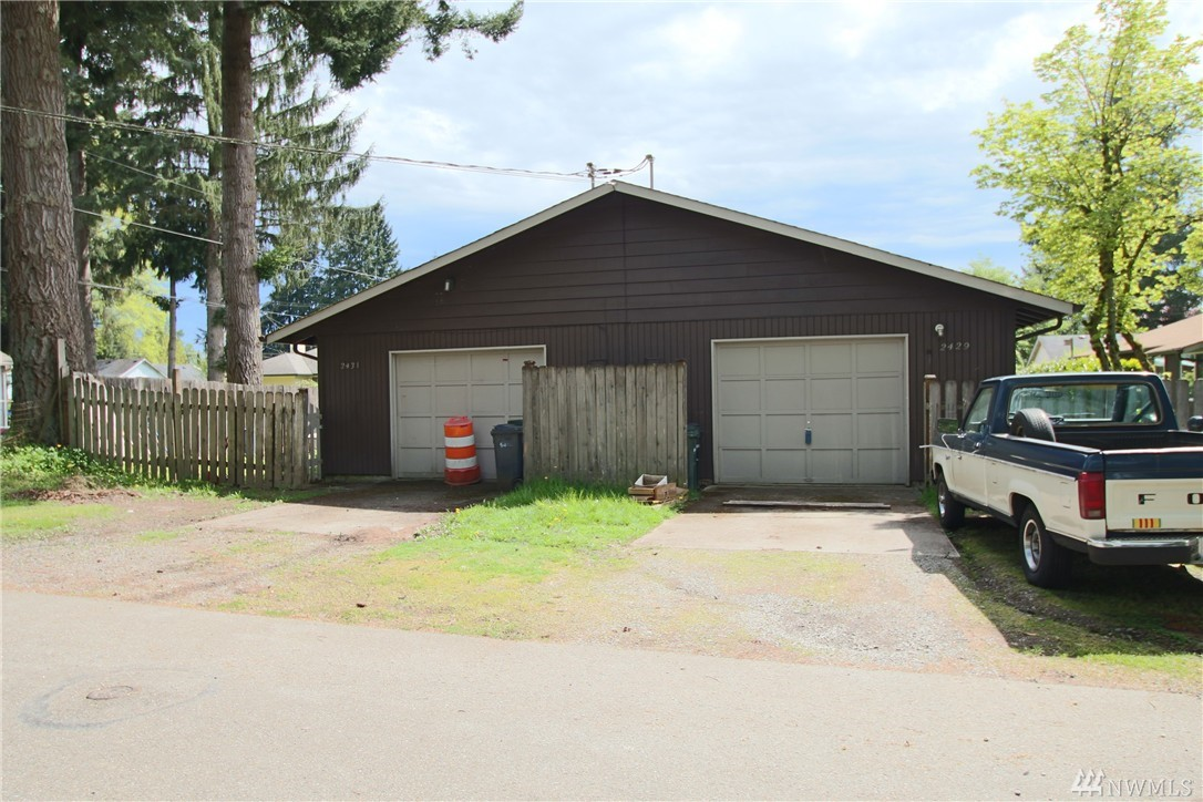 Rambler style duplex, 846 sf each side, 2 bed/1 bath units. New, 30-year roof coming soon! Living room w/gas fireplace, dining nook open to kitchen, single car garage each side. Both have their own yard, partially fenced. All tenants are month-to-month and pay own utilities. Great location, easy to Lacey and downtown Olympia waterfront via bike or bus. Olympia School District!