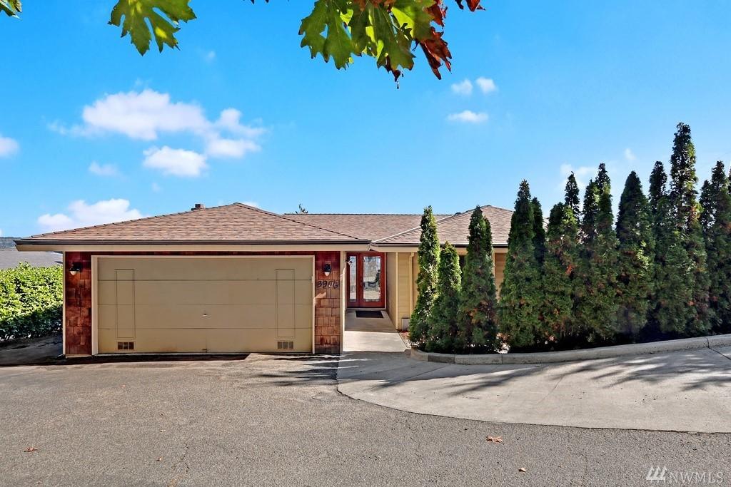 3906 NE 157th Place, Lake Forest Park, WA 98155
