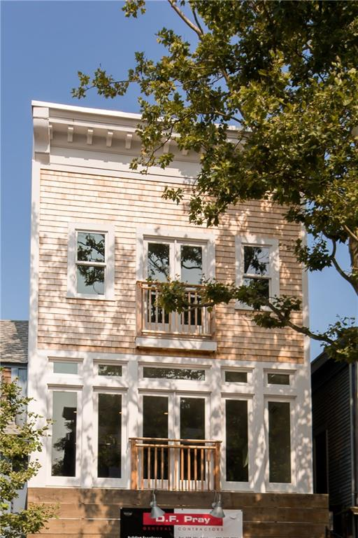 8 - 10 Broadway AV, Unit#2, Newport, RI 02840