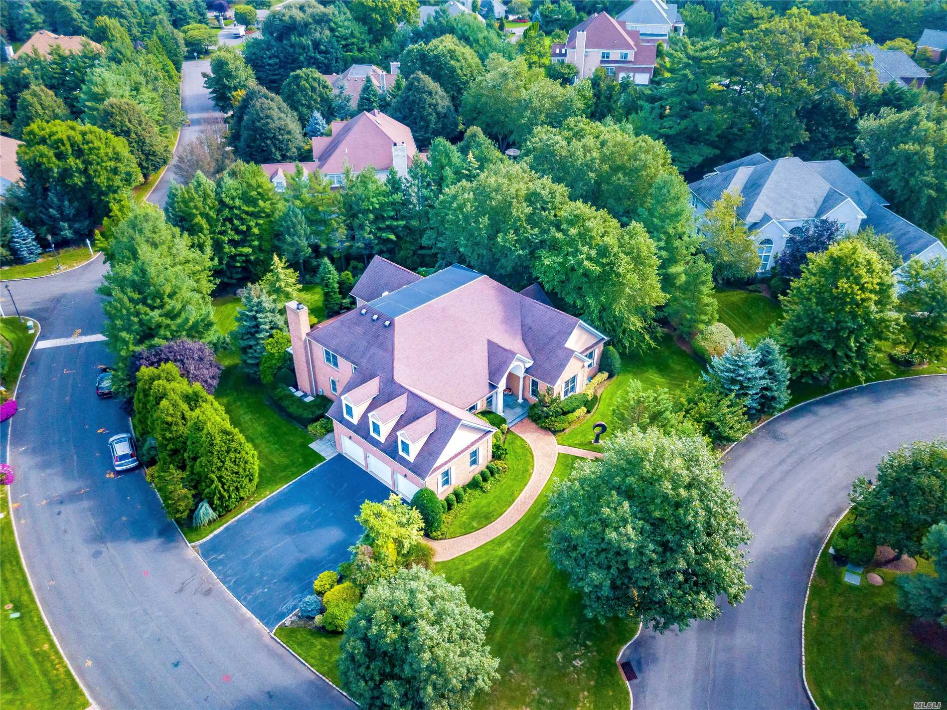 Magnificent Expanded Ranch Located In The Prestigious Stone Hill At North Hills. Private Gated Community Offering 5 Bedrooms 3.5 Baths, Grand Entry Foyer, Living Room With Vaulted Ceilings, Formal Dining Room, Gourmet Kitchen, Custom Built Ins, Massive Master Suite With Sophisticated Trims And Moldings Thru Out. Spacious Backyard With Beautiful Landscaping On A .69 Acre Lot. Three Car Garage. Perfect Home For Large Family And Entertaining.