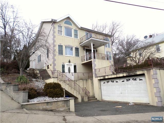 809 Edgewater Avenue, Ridgefield, NJ 07657