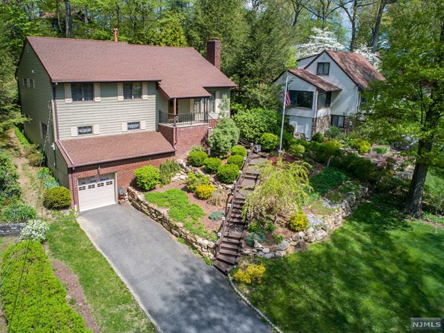 46 Pequot Road, Ringwood, NJ 07456