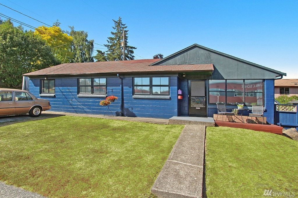 5008 SW Dakota St, Seattle, WA 98116