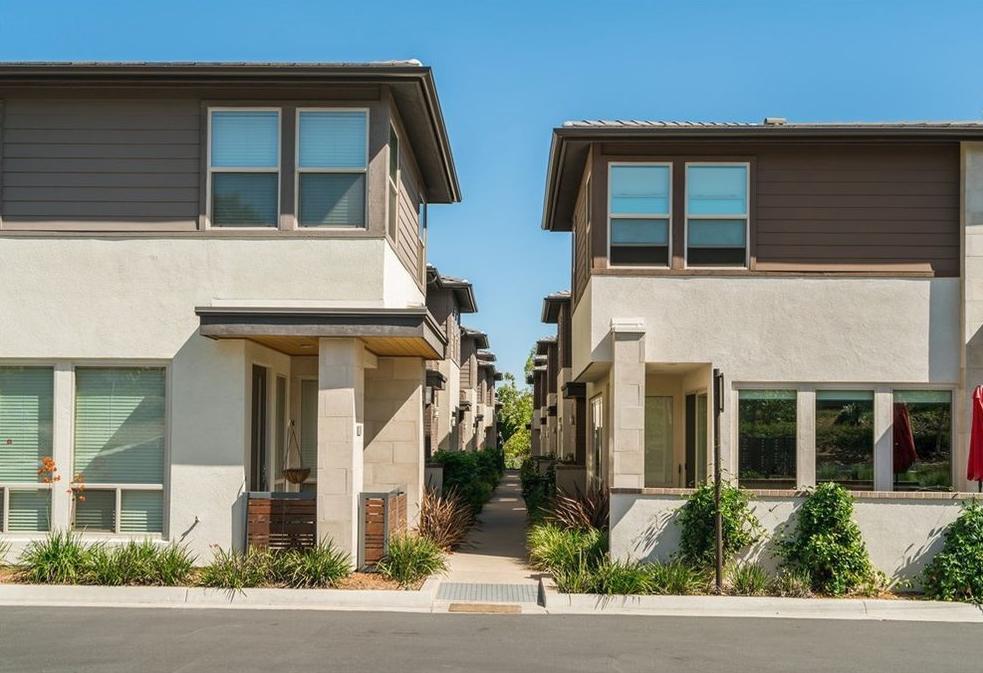 2486 Aperture Cir, San Diego, CA 92108