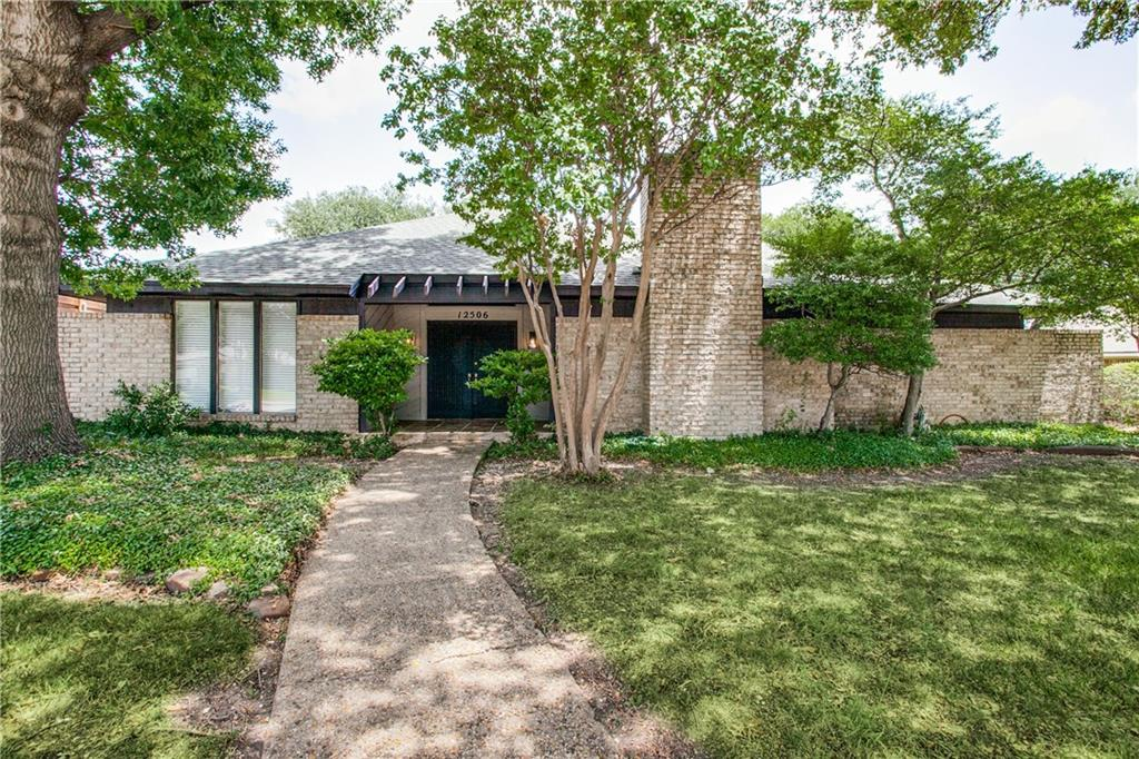 Renovated home with Stainless Steel appliances and granite counter tops. New exterior trim work done along with new paint inside and out. Large heavily treed backyard with pool, great for entertaining. Sunroom and vaulted ceilings add plenty of character to this unique home.