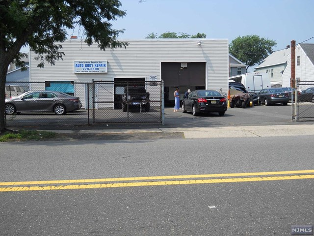 952 Paterson Avenue, East Rutherford, NJ 07073