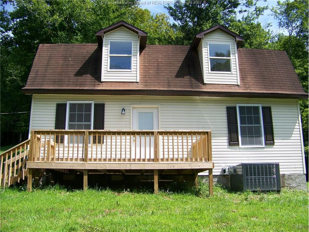 7960 Upper Wills Creek Road, Charleston, WV 25071