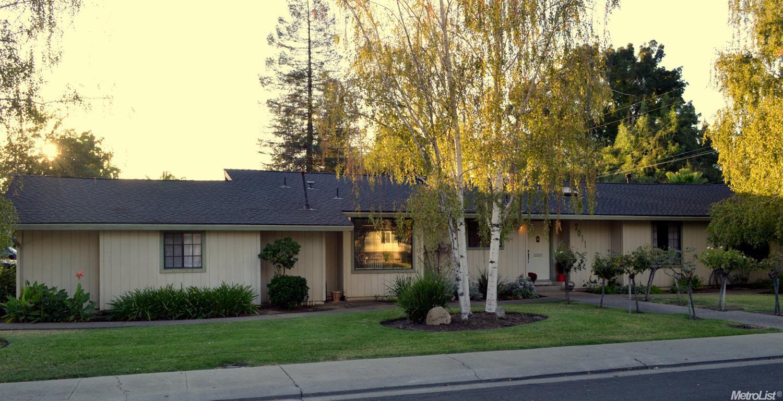 7011 Leesburg Place, Stockton, CA 95207
