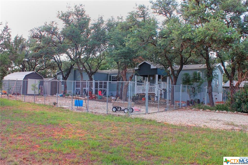 494 Private Road 1513, Bandera, TX 78003