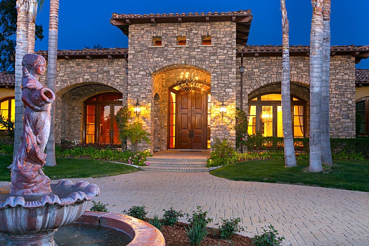 6064 Avenida Cuatro Vientos, Rancho Santa Fe, CA 92067