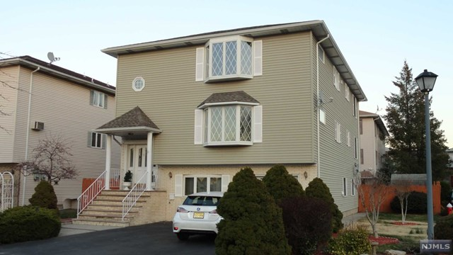 9 Willow Wood Court 2, East Rutherford, NJ 07073