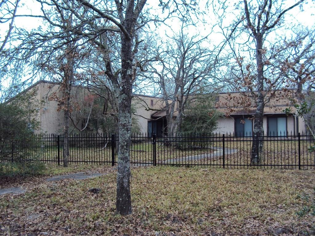 5781 Thousand Oaks Road, College Station, TX 77845