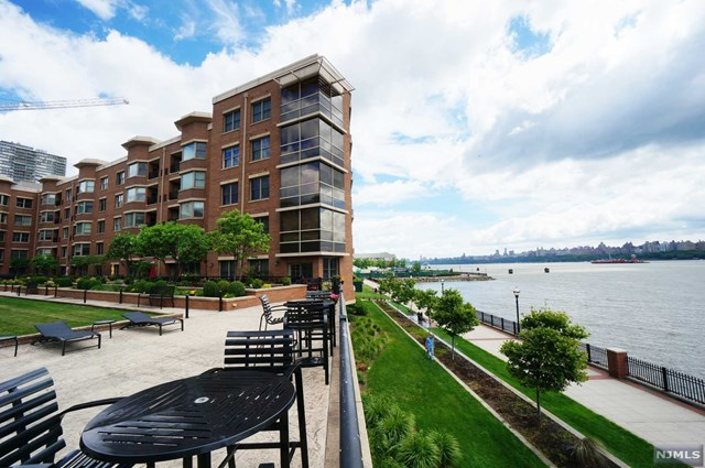 20 Ave At Port Imperial 435, West New York, NJ 07093