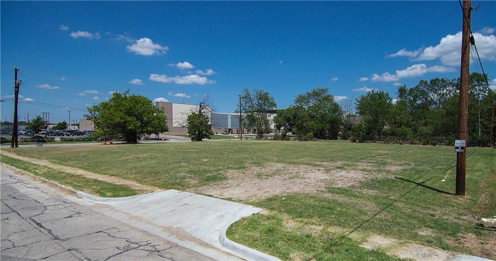 2606 Al Lipscomb Way, Dallas, TX 75215
