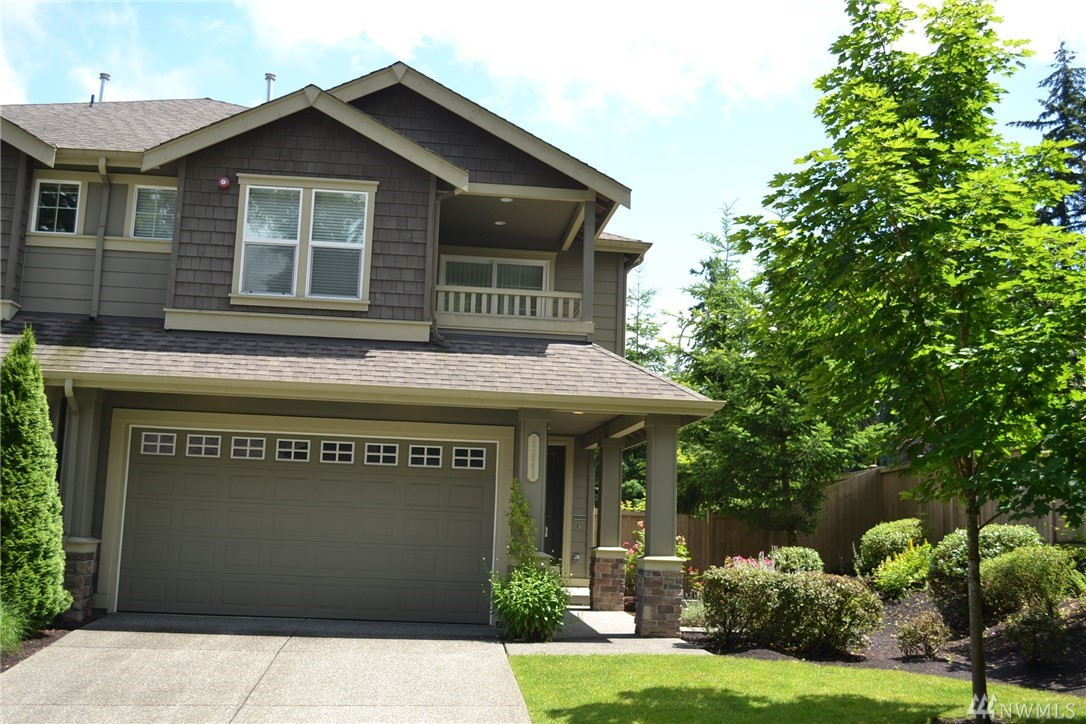 Own this fabulous, well maintained craftsman style 3b 2.5ba home in an excellent location. Gourmet kitchen with an island & S/S GE appliances; gas fireplace; central air conditioning to cool down summer heat; 2-car garage; hardwood flrs; Hunter Douglas wdo shades; cable ready for Comcast & Frontier; spacious upper deck; bedrooms w/ tray ceiling. Enjoy BBQs in a ready-to-enjoy, fully-fenced, nice clean backyard. Short distance to Bellevue, Microsoft Campus, Redmond Town Center, Costco, & Freeway.