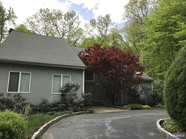 79 Pinewood Drive, Ringwood, NJ 07456