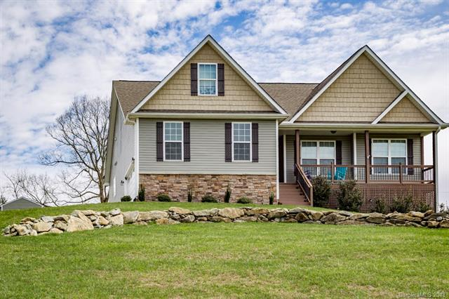 One of the BEST BUYS in Hendersonville! Easy access on/off Hwy 25 & I-26. One level living, immaculate, well kept, open floor plan. 3 zone HVAC, smart-home wifi thermostats, oil rubbed bronze fixtures. A MUST SEE!