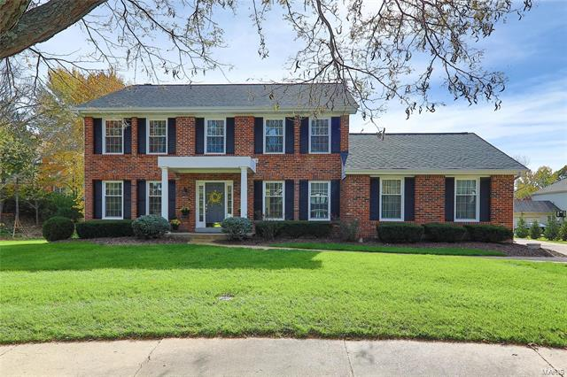 8 Heathercroft Court, Chesterfield, MO 63017