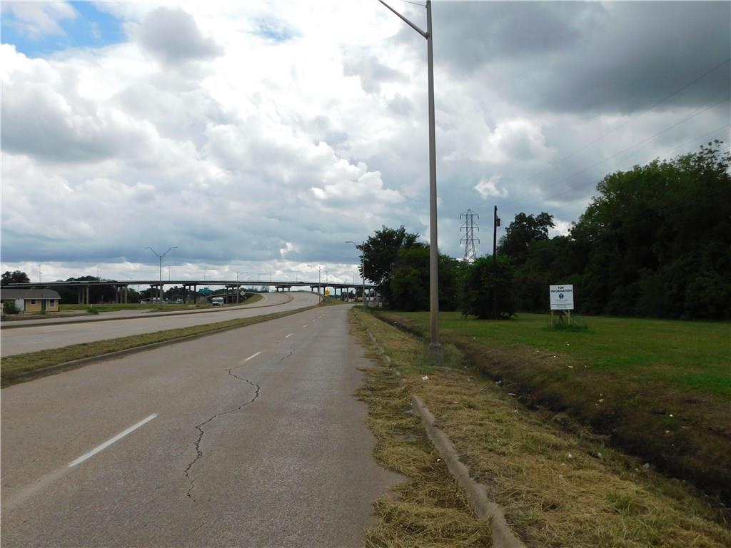 1018 N Loop Drive, Waco, TX 76704