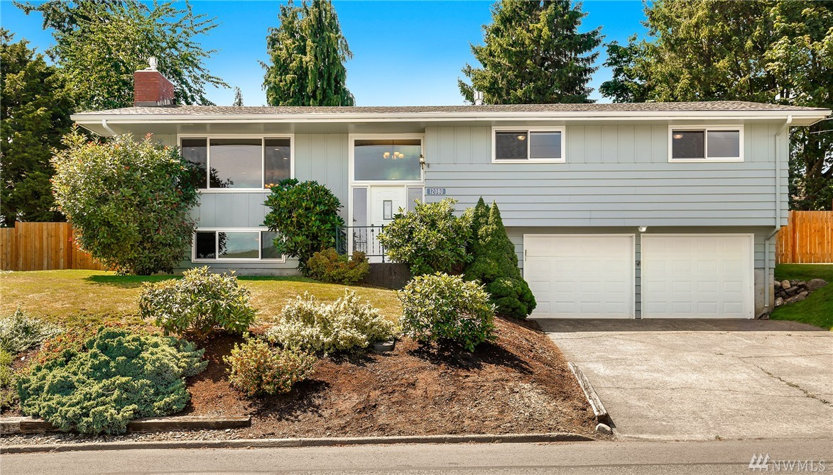 12080 Hilynn Dr, Burlington, WA 98233