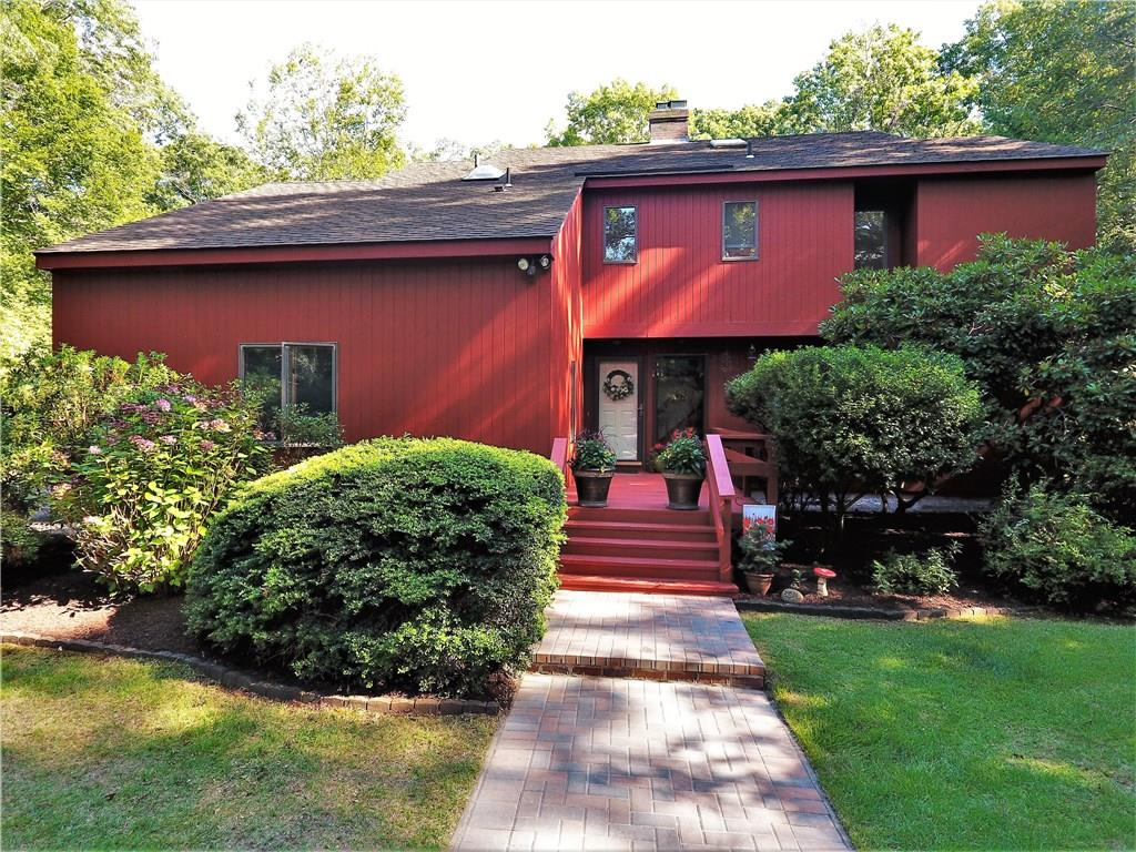 53 Country CT, North Kingstown, RI 02885
