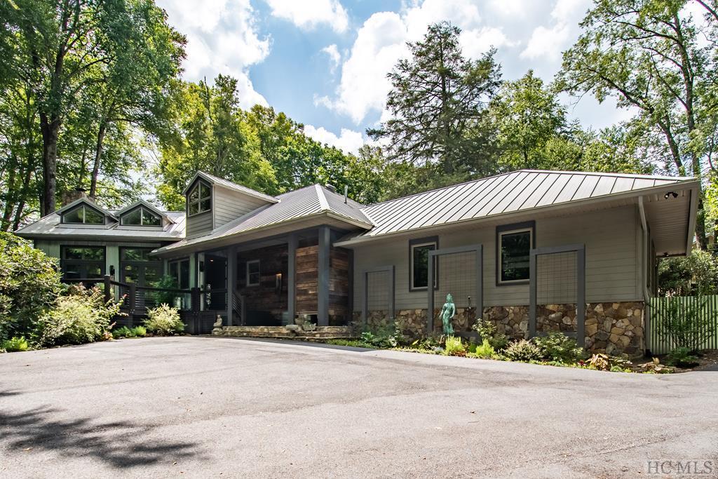 74 Hickory Drive, Highlands, NC 28741