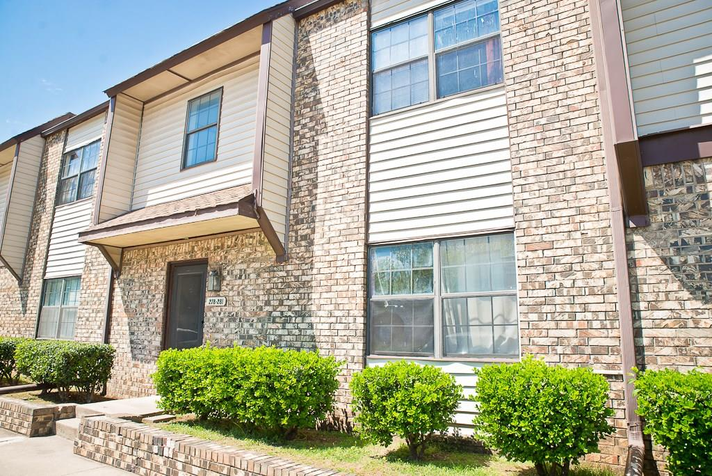 Great condo in great location close to campus and shopping. Large living with fireplace and gas logs. Separate dining. Kitchen with pantry.  Large master with ceiling fan. Tenant occupied until January 31, 2021.