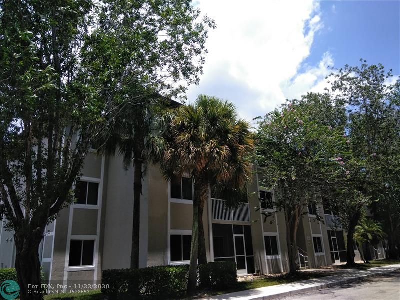 WHAT A BEAUTY!!!! WELL KEPT 3/2 CONDO, RENTED TO THE SAME TENANT FOR THE LAST 11 YEARS. TILE FLOORS IN MAIN AREAS, LAMINATED IN BEDROOMS. UTILITY ROOM WITH FULL-SIZE WASHER AND DRYER, HURRICANE SHUTTERS, SCREENED  BALCONY, SUPER CLEAN UNIT, TENANT'S LEASE EXPIRES ON FEB 2020 AND WILLING TO RENEW IT. GREAT LOCATION, CLOSE TO MALL, STORES, RESTAURANTS, ETC. GOOD SCHOOLS, PETS ALLOWED. EASY TO SHOW!!