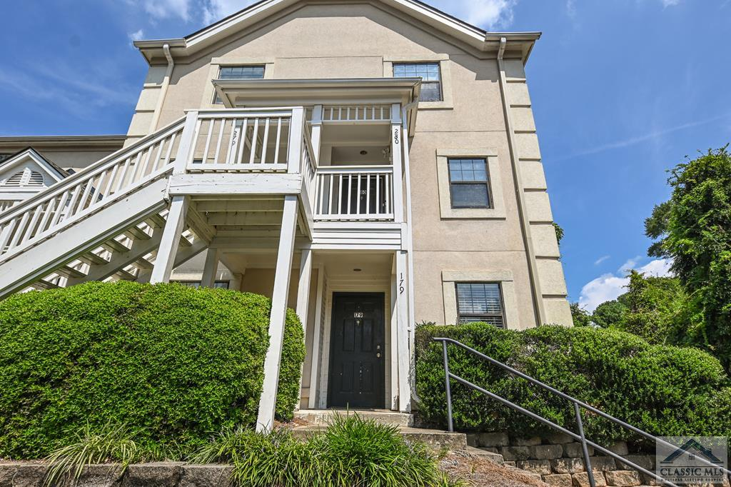 Great investment 2 bed/2 bath unit close to downtown, campus, and the stadium. Currently leased through July 2022. Can be sold as an independent unit or part of an investment package.