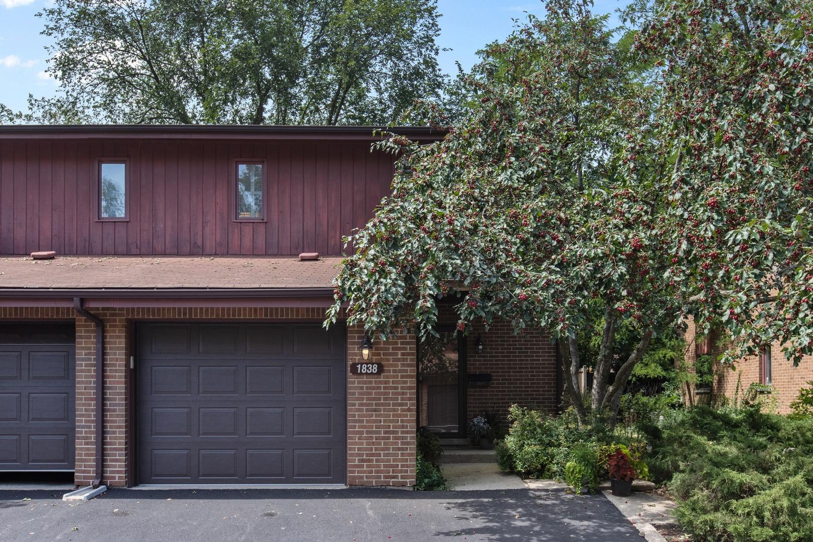 1838 Chestnut Avenue, Glenview, IL 60025