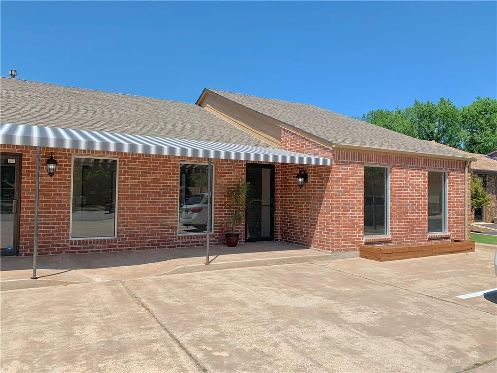 Prime SW Norman commercial office professional building. Major remodel in 2019 includes granite, wood grain flooring in common areas and hallways, brick front facade, new front windows, light fixtures, 2nd front entrance added, etc. 3033 sq. ft. floor comprised of 10 offices plus enclosed check-in, kitchenette break room and large reception area, 3 non-ADA restrooms. Vacant ready for immediate occupancy.  BROKER/OWNER