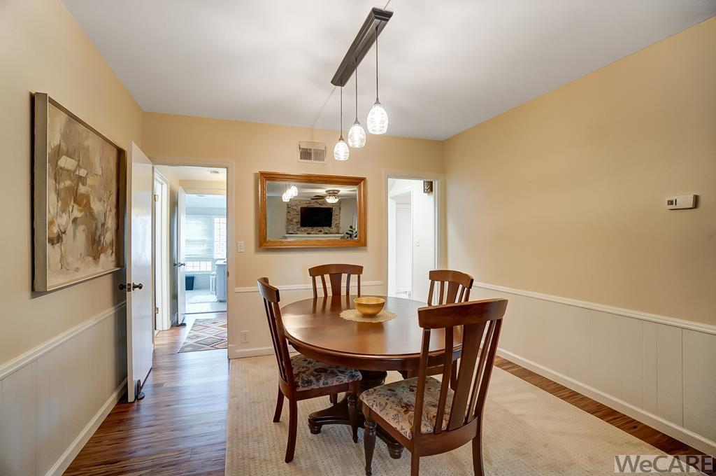 LARGE DINING OR OFFICE AREA