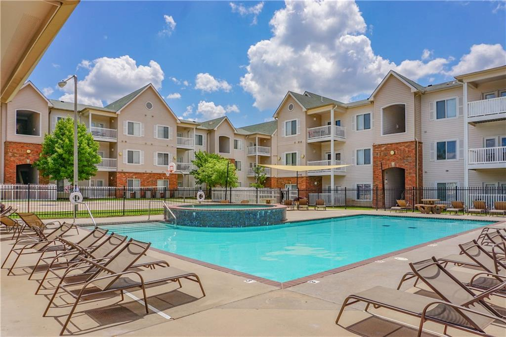 Great opportunity for this 4 Bed / 4 Bath Condo located blocks from OU & set up perfectly for Student Living or great Investment Property. Each bedroom contains their own private Bath & Walk-In Closet. Open living room open giving it an extra spacious feeling in the main area. All appliances are included in Unit. Complex is resort style and includes Pool / Fitness Room / Basketball & Volleyball Courts. Furniture in the unit is negotiable. Unit is located on the 1st floor of building #1.