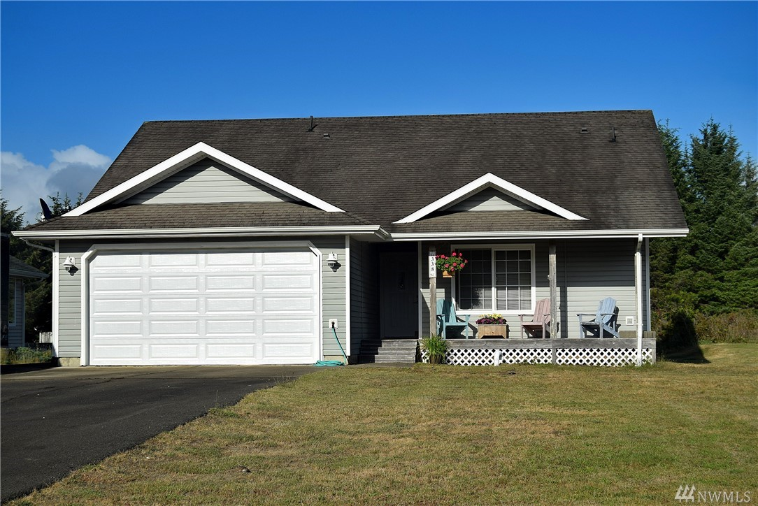 Beautiful lakefront home set on a quiet cul de sac with 60 feet of freshwater frontage. Large dock ready for your boat.  This home has a large entry with vaulted ceilings leading into an open living room, dining and kitchen all with views of the lake.  New LVP flooring throughout the house.  Propane fireplace.  Master bedroom with views of the lake.Plenty of parking for your guests, paved RV/Boat parking next to house, and a brand new roof!  Enjoy life on the Washington Coast!